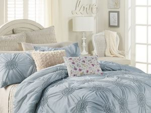 Lauren Conrad's Girly Bed & Bath